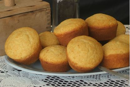 Picture of Aunt Betty's Corn Muffin Mix   13.4oz